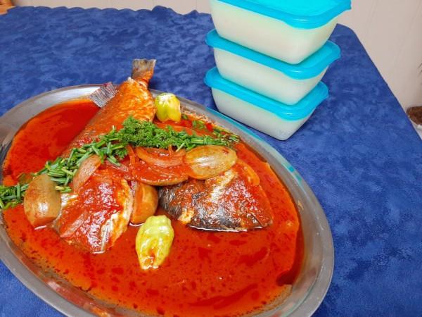 Akpan (maïzénadeeg en cassave)